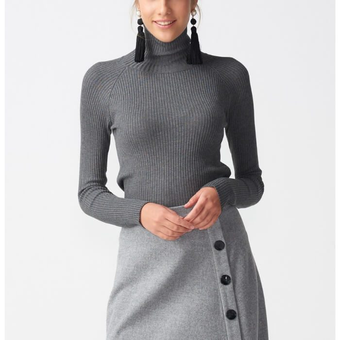 Grey turtleneck slim sweater